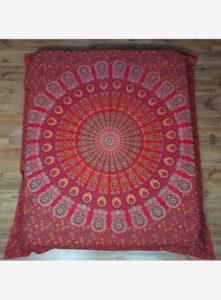 ágyterítő piros mandala 2 562x764